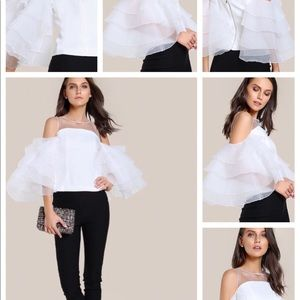 Tops - Gorgeous ruffled top